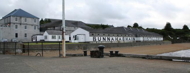 Destylarnia Bunnahabhain – wszystko o nietypowej gorzelni single malt whisky na wyspie Islay