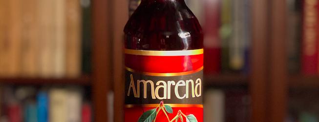 Jak smakuje Amarena? Sławne wino owocowe z Biedronki