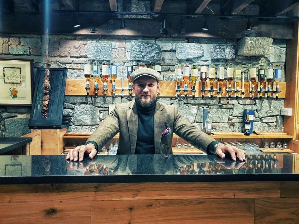 jak zamawiać whisky w barze